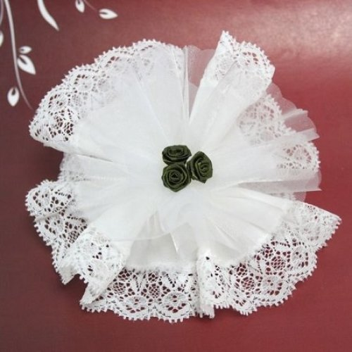 White Crystal And Laced Edge Ready Made Favor With 3 Green Ribbon Roses